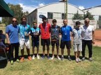DÜNYA ŞAMPİYONASI - Osmangazili Raket Dünya Şampiyonası'nda