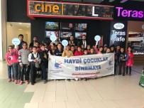 BEYAZ PERDE - Sason'daki Öğrenciler Sinema İle Tanıştı