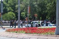 BOMBA İMHA UZMANI - Şüpheli Paketten 'Elektrikli Süpürge' Çıktı