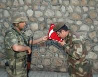 TUGAY KOMUTANI - Bakan Canikli İlk İftarını Sınırda Askerlerle Yaptı
