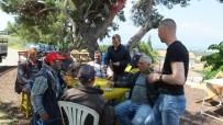 ALI TÜRKER - Burhaniye'de Kırlangıçlar Kahvehaneyi Mesken Tuttu