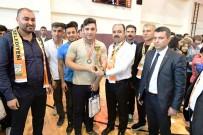 MASA TENİSİ - Dereceye Giren Sporculara Ödülleri Verildi