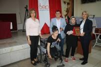 PSİKİYATRİST - Engellilere Tekerlekli Sandalye, Yılın Engelli Annesine Plaket Verildi