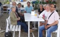 HÜSEYIN GÜNEY - Foça'da Engelli Meclisi Üyelerinden Yaş Günü Buluşması
