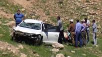 Gercüş'te Otomobil Takla Attı Açıklaması 1'İ Ağır 2 Yaralı