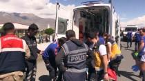 ALI ARSLANTAŞ - Korkunç kaza: 3 ölü, 15 yaralı
