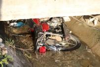 Motosiklet Sulama Kanalına Düştü Açıklaması 2 Ölü