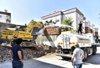MÜNIR KARALOĞLU - Muratpaşa'da Metruk Binalar Yıkıldı