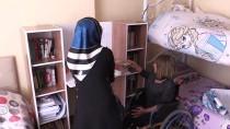BEDENSEL ENGELLİ - Öğrenciler Engelliler İçin Kitaplık Yaptı