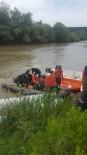 BALIK TUTMAK - Balık Tutmak İçin Nehre Düşüp Kaybolan Son Kişide Bulundu