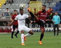 KALE ÇİZGİSİ - Bursaspor Sezonu Yenilgiyle Bitirdi