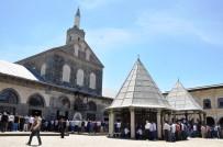 ULU CAMİİ - Güneydoğu'da Binler Ramazan'ın İlk Cumasında Camiye Akın Etti