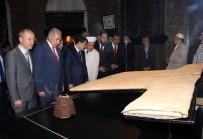 İSTANBUL MÜFTÜSÜ - Hırka-İ Şerif Ziyarete Açıldı