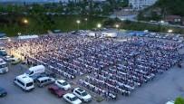 ABDULLAH ÖZER - Mamak'ta Dev İftar Sofralarının İlki Yeşilbayır Mahallesi'nde Kuruldu