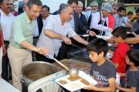 KAZANLı - Pamuk, İftarını Barış Mahallesi Sakinleriyle Açtı