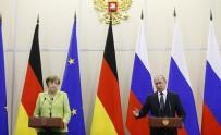 İNGILTERE - Putin Ve Merkel'den Ortak Basın Toplantısı