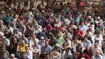 CUMA NAMAZI - Ramazan Ayının İlk Cuma Namazı Kılındı