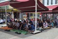 11 AYıN SULTANı - Ramazan Ayının İlk Cuma Namazında Camiler Doldu Taştı