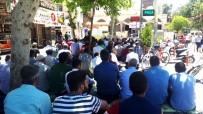 CUMA NAMAZI - Ramazan Ayının İlk Cuma Namazında Cemaat Camiye Sığmadı