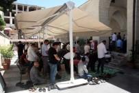11 AYıN SULTANı - Ramazanın İlk Cuma Namazında Cemaat Camilere Sığmadı