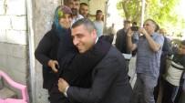 İSTİFA - Taşdoğan'dan Adaylık Sevincini Annesi İle Yaşadı