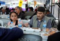 MEDINE - Vatandaşlardan İftar Çadırlarına Yoğun İlgi