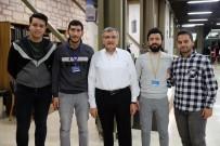 Zeytinburnu'nda Çalışmak Öğrencilerden, İftar Ve Sahur Belediyeden