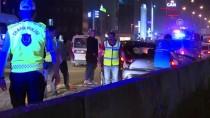 TRAFİK YOĞUNLUĞU - Bağcılar'da Zincirleme Trafik Kazası Açıklaması 2 Yaralı