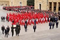 MEDENİYETLER - Bakan Bak, Gençlerle Birlikte Anıtkabir'de