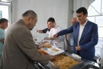 SOMUNCU BABA - İftar Yemeğini Başkan Dündar Dağıttı