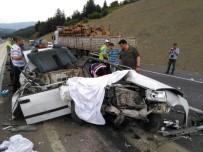 SÜTÇÜ İMAM ÜNIVERSITESI - Kahramanmaraş'ta Trafik Kazası Açıklaması 3 Ölü, 2 Yaralı