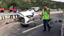 SÜTÇÜ İMAM ÜNIVERSITESI - Otomobil İkiye Bölündü Açıklaması 3 Ölü, 2 Yaralı