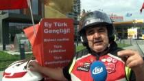 CUMHURIYET BAYRAMı - (Özel) Atatürk Büstü Ve Dev Türk Bayrağıyla Trafikte Seyreden Motosiklet Sürücüsü Dikkat Çekti