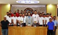 GÜREŞ TAKIMI - Rektör Cavit Bircan Şampiyonları Ağırladı