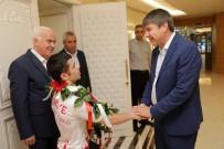 GÜREŞ TAKIMI - Uzun, Türel'e Dünya Şampiyonluğu Sözü Verdi