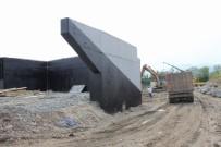 YENİ KÖPRÜ - Arifiye'de Köprü İnşaatı Tüm Hızıyla Devam Ediyor