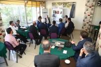 KITAPLıK - Cizre'de Kıraathanelerde Kütüphane Köşesi