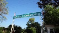 İŞ MAKİNASI - Yunan askerleri yanlışlıkla sınırı geçen işçiyi gözaltına aldı