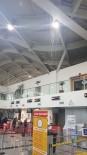 ÇÖP KUTUSU - Havalimanının İçi Şelaleye Döndü