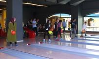BOWLING - İşitme Engelliler Bowling Oynadı