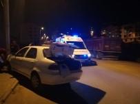 FARABI - Kontrolden Çıkan Otomobil Elektrik Direğine Çarptı Açıklaması 2 Yaralı