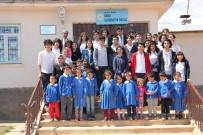 ESENGÜL - Malatya TED Koleji Arapgir'de Kitap Dağıttı
