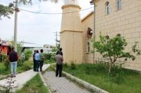 OSMAN KıLıÇ - Niğde'de Camiye Yıldırım Düştü