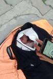 TEMİZLİK GÖREVLİSİ - Vicdansızlar bebeği çöpe attı