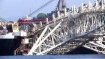 EYFEL KULESI - Pioneering Spirit, İstanbul Boğazı'ndan Geçiyor