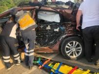 HAFRİYAT KAMYONU - Sakarya'da trafik kazası: 1 ölü, 2 yaralı