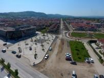 SERDİVAN BELEDİYESİ - Serdivan'daki Çalışmalar 1. Cadde'de Başladı