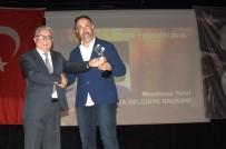 ŞEHİR TİYATROSU - Tiyatrocular Türel'i Ödüllendirdi
