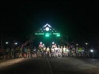 Bursalı Bisikletçiler İftar Sonrası Uludağ'a Tırmandı