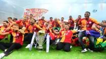 FERNANDO MUSLERA - Galatasaray, Şampiyonluk Kupasını Kaldırdı